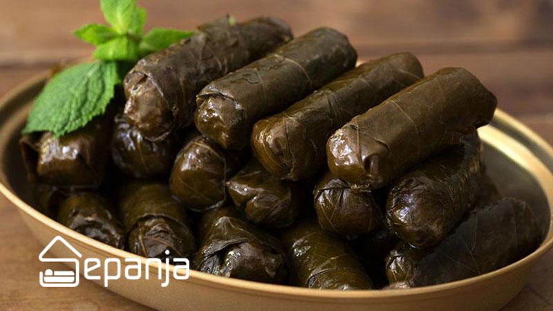 دلمه برگ مو از غذاهای محلی تبریز