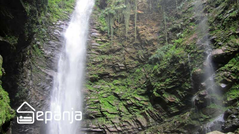 آبشار گزو در سواد کوه