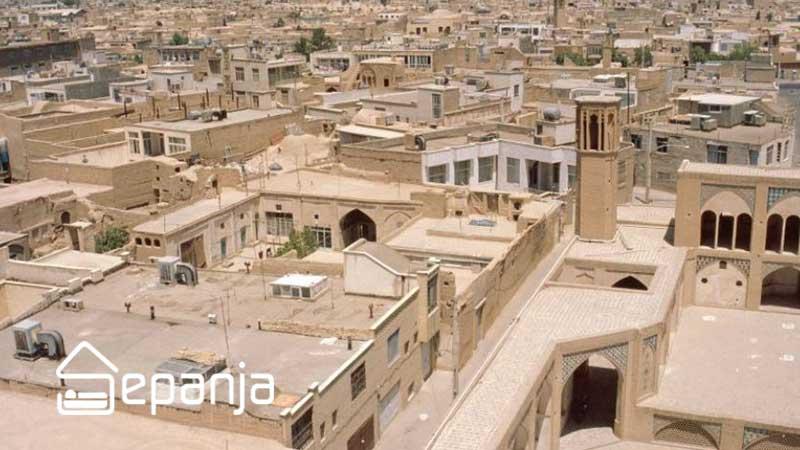 نمایی از بالای شهر در سفر به کاشان
