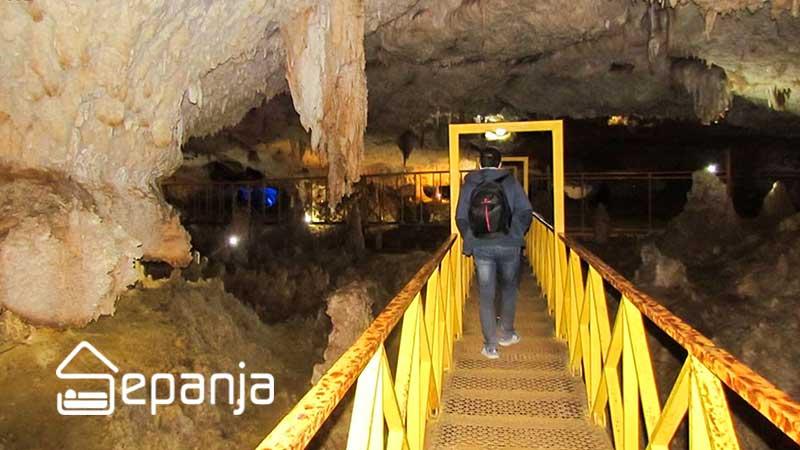 غار کتله خور از جاهای دیدنی گرماب