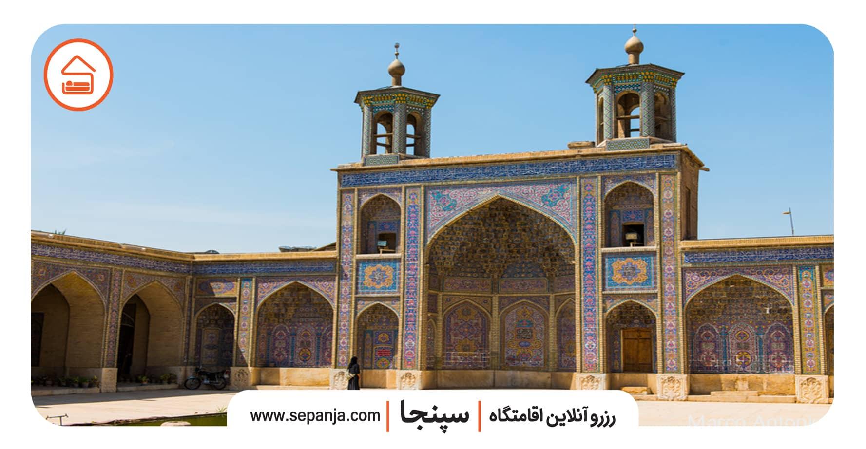 نمایی از مسجد نصیر الملک در شهر شیراز