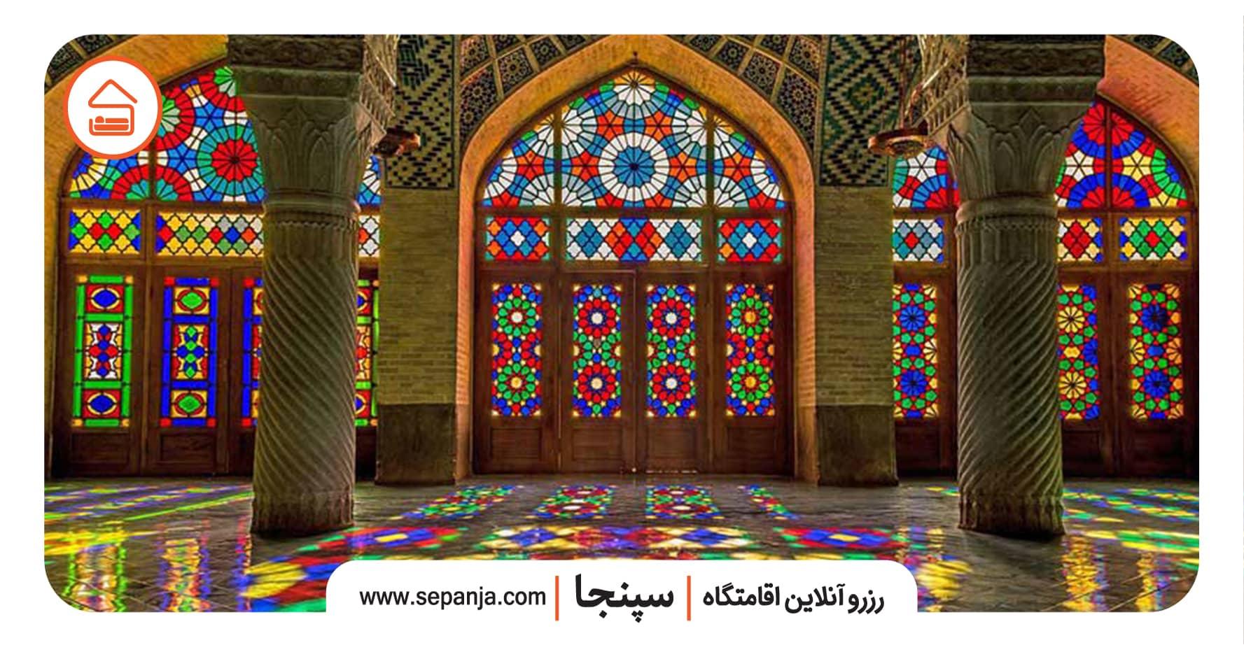 نمایی از معماری مسجد نصیرالملک شیراز