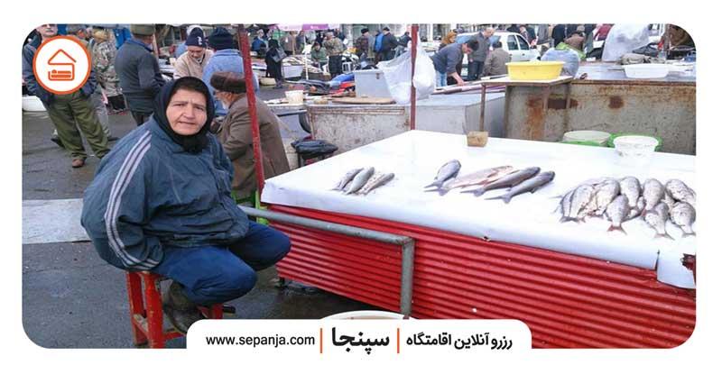 نمایی از میوه های بازار روز آمل