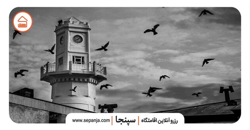 نمایی از برج ساعت شهر بندر انزلی