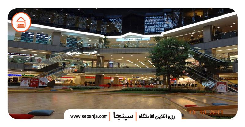 نمایی از طبقات مرکز خرید گالریا تهران به عنوان یکی از لوکس ترین مراکز خرید تهران
