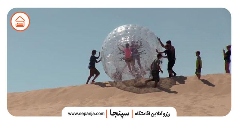 نمایی از ییگ بال یکی از بهترین تفریحات جزیره کیش