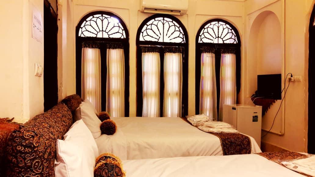 بوم گردی خانه تاریخی در رجائی یزد اتاق6