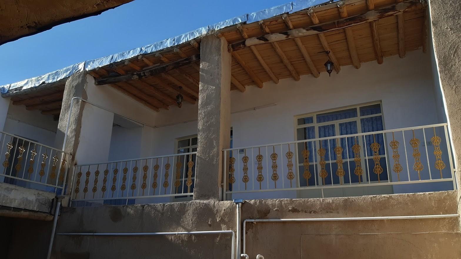 بوم گردی اتاق سنتی در هزاوه اراک