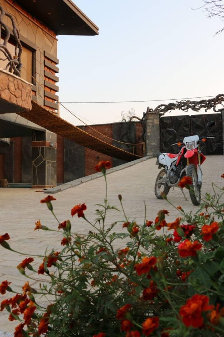 Village ویلا با استخر سرپوشیده در زعفرانیه کردان