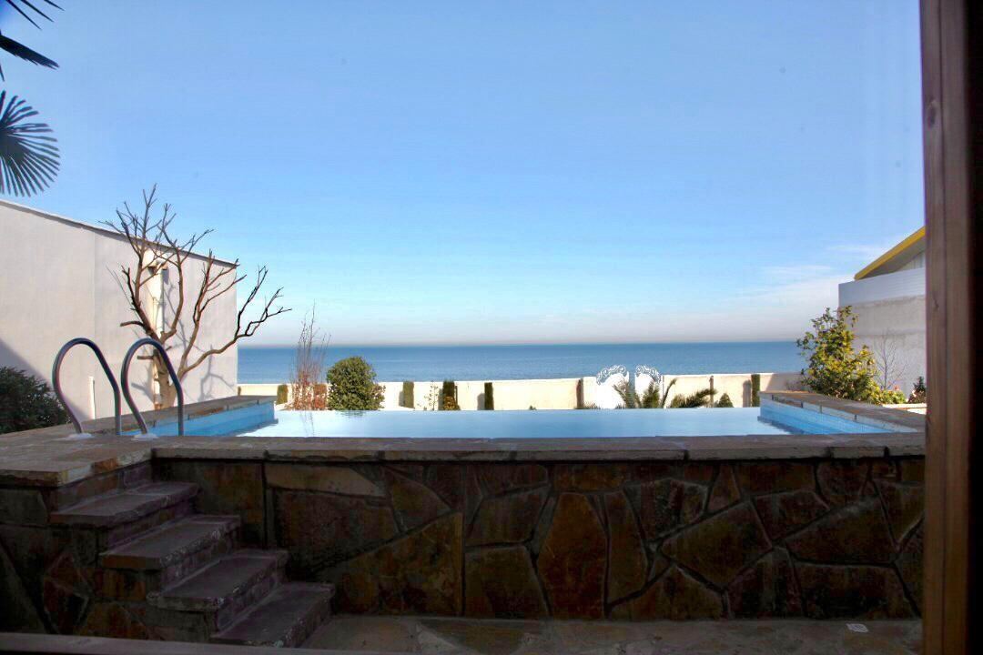 Beach اجاره ویلا چوبی استخردار با ویو دریا - هریس