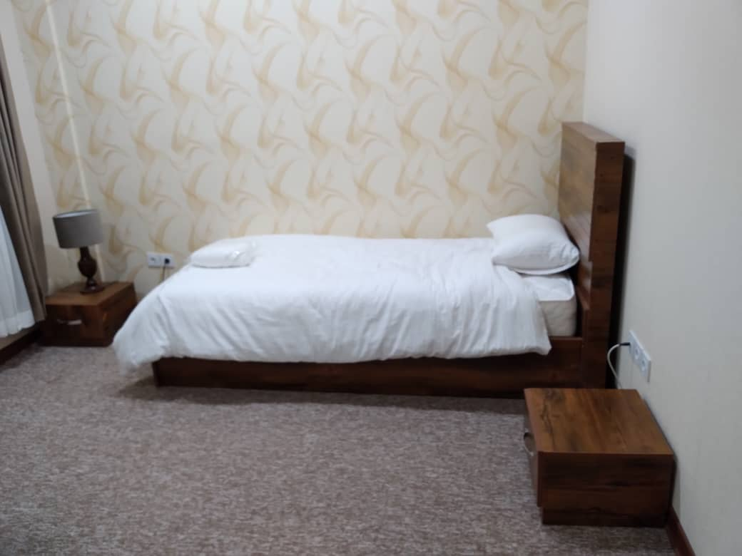 شهری هتل یک تخته در ولیعصر جم