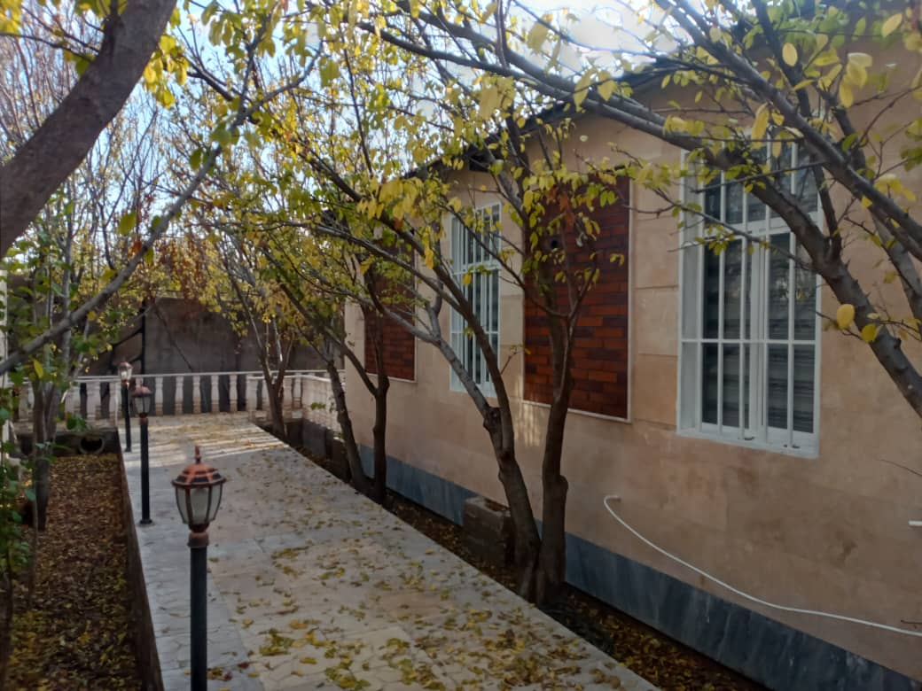 Village باغ و ویلا در کردزار شهریار