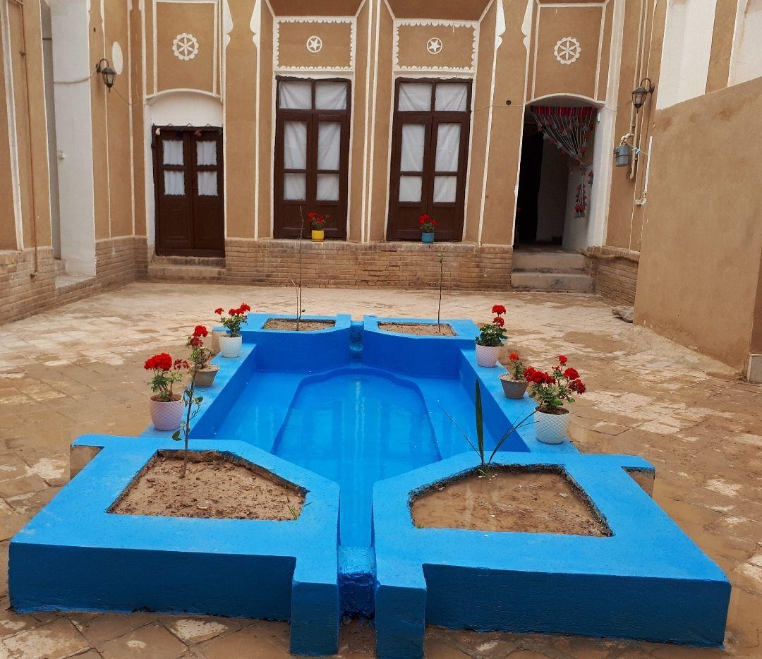 بوم گردی اقامتگاه بومگردی امام خمینی یزد - ماه