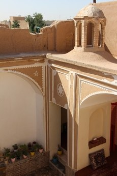 بوم گردی اتاق سنتی در امام خمینی یزد - مهتاب