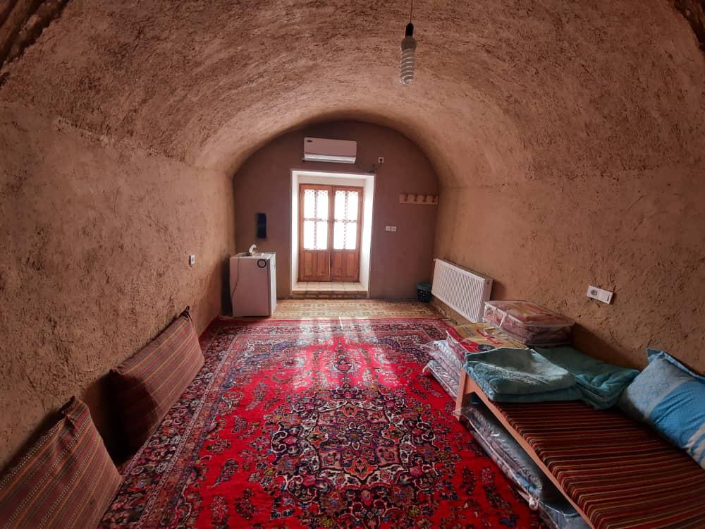 بوم گردی خانه سنتی در نطنز اصفهان - کاریزا