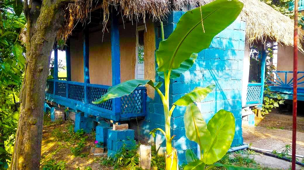 Eco-tourism خانه روستایی سنتی در میان پشته رودسر
