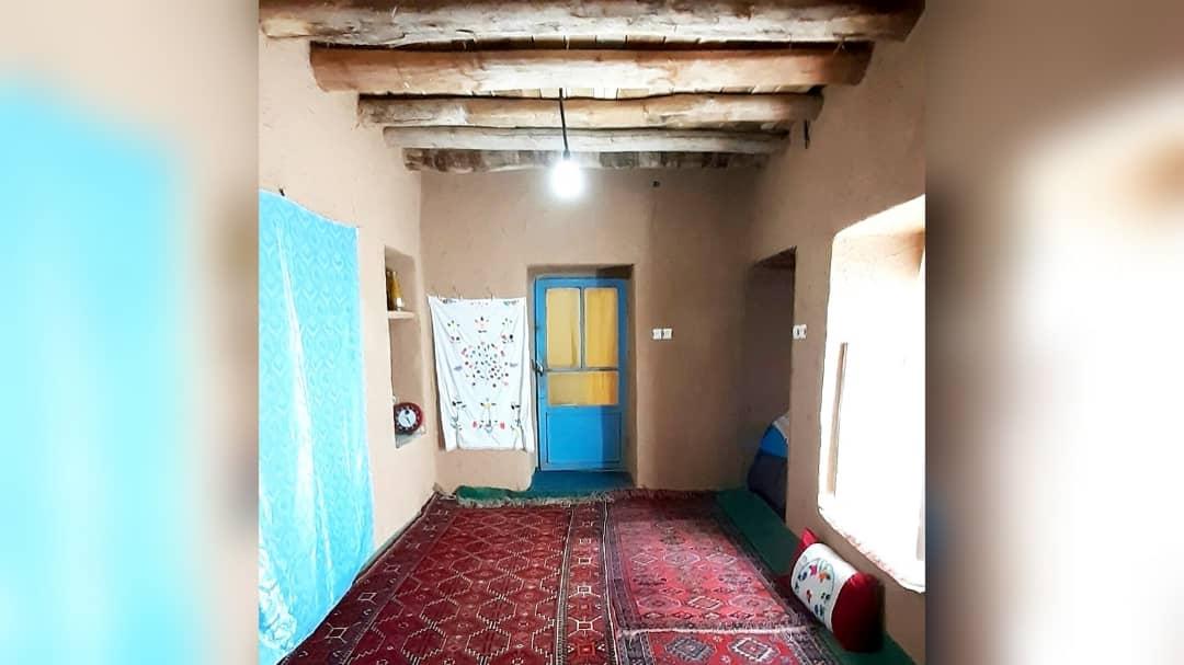 بوم گردی خانه سنتی در روئین اسفراین - بادام و گردو