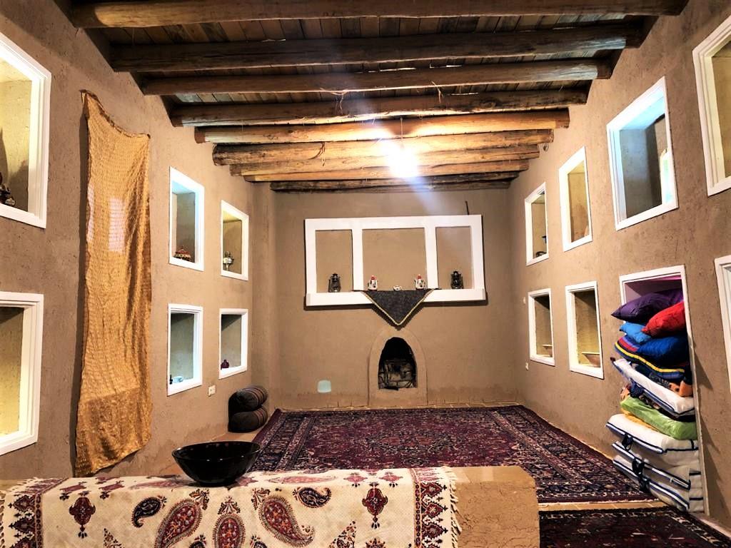 بوم گردی اتاق سنتی در طامه نطنز - عمورحمت