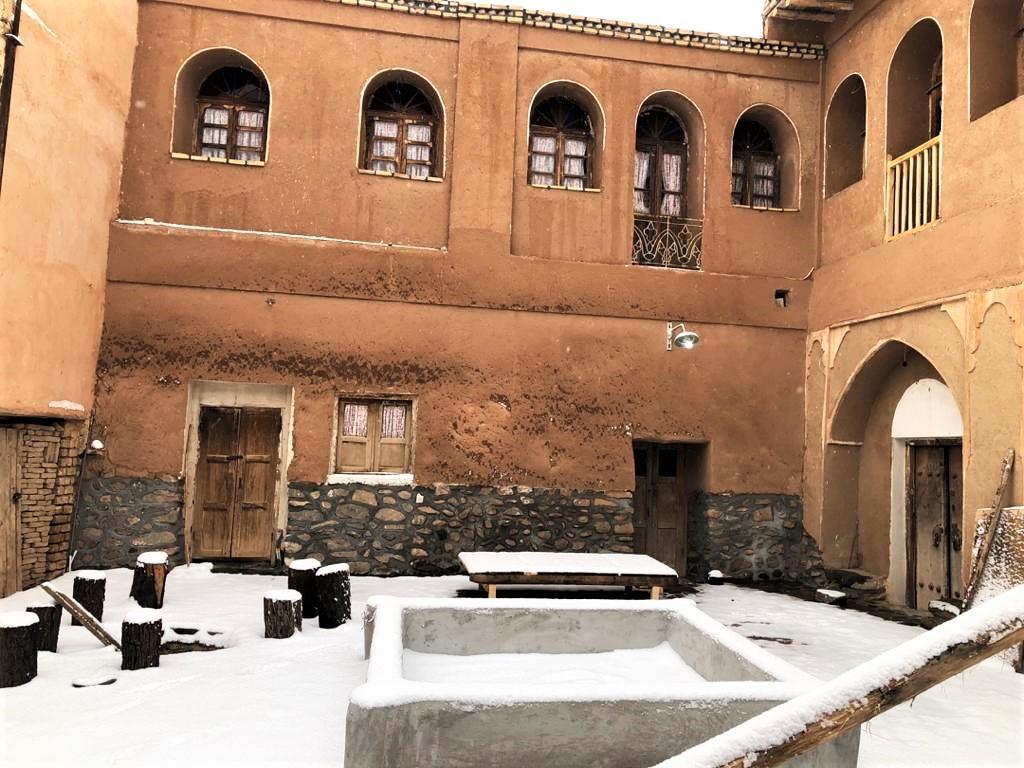 بوم گردی اتاق روستایی در طامه نطنز - دالان