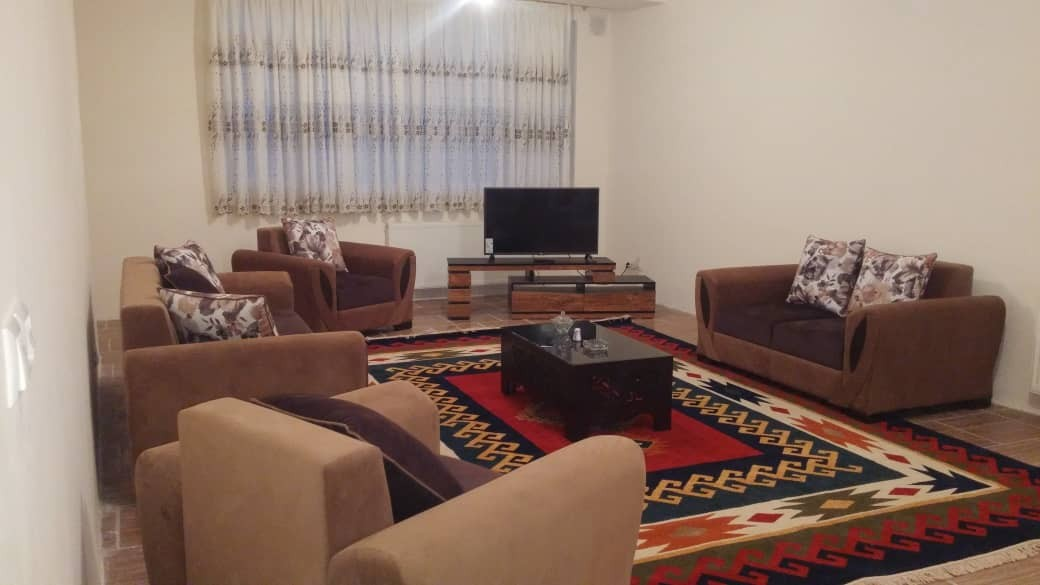 درون شهری آپارتمان اجاره ای دو خواب در هفت تنان شیراز_2