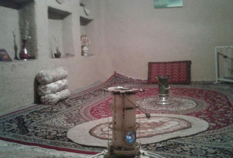 بوم گردی سنتی در همدان - اقامتگاه مزداگرد اتاق 1