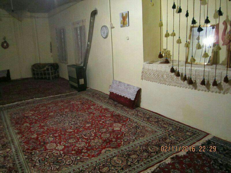 بوم گردی خانه سنتی در امزاجرد همدان