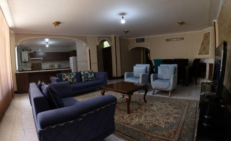 درون شهری آپارتمان مبله در باغ دریاچه اصفهان