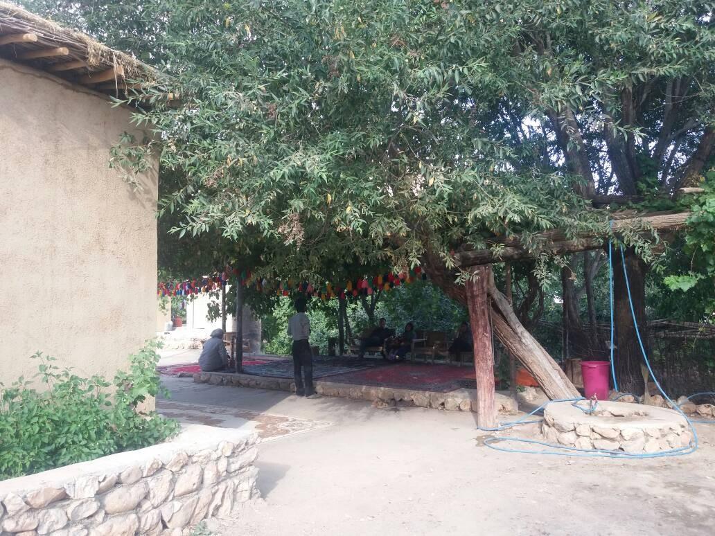 بوم گردی اقامتگاه روستایی در شش پیر سپیدان