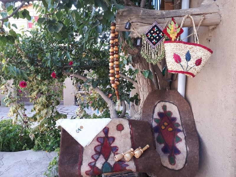 Eco-tourism اتاق سنتی در درخت سفیدار بینالود - خان جان