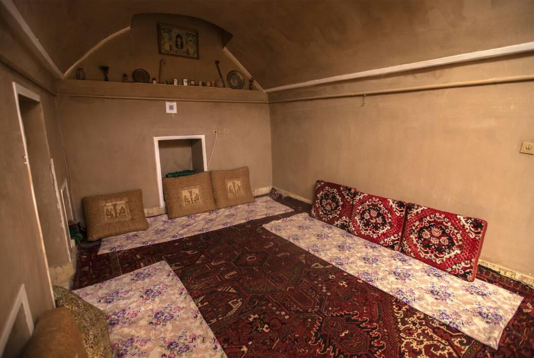 بوم گردی بوم گردی ارزان  شهرت در تفت یزد -  اتاق4
