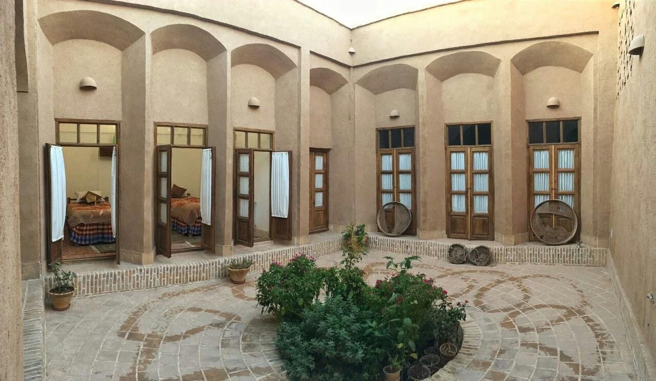 بوم گردی استراحتگاه سنتی بهرام در شهر یزد