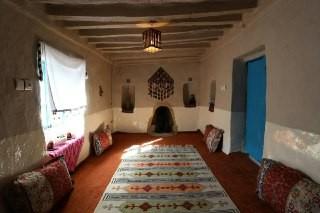 بوم گردی خانه سنتی در آزادشهر -اتاق زیتون