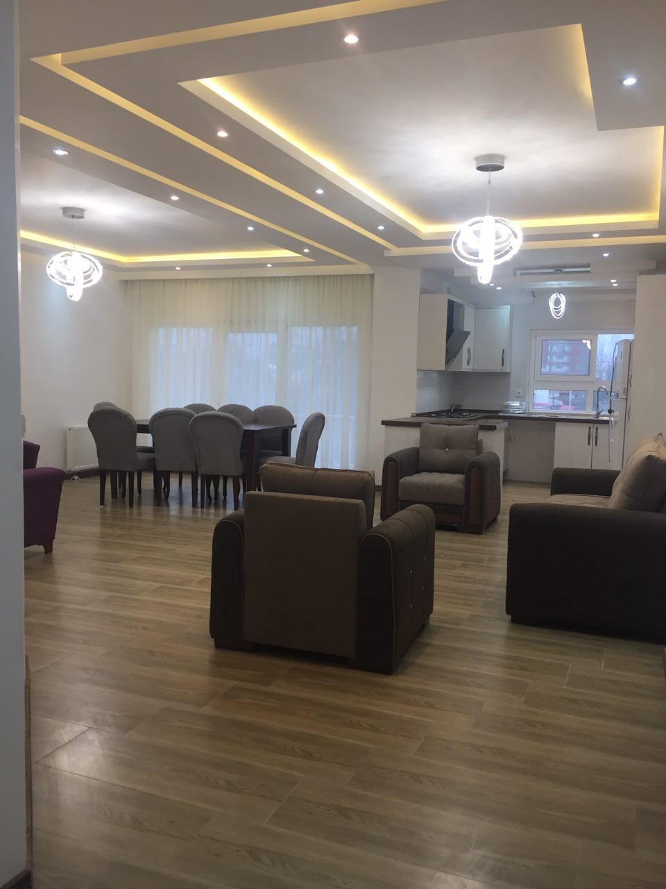 درون شهری هتل آپارتمان در سلمان شهر مازندران