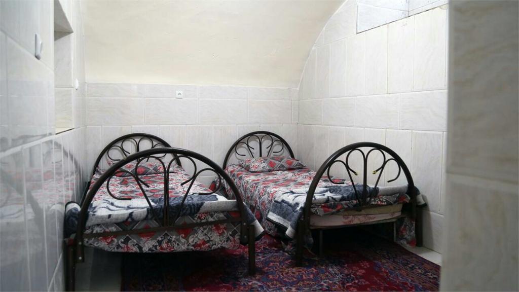 شهری سوییت مبله ارزان در یزد-زمرد زیرزمین