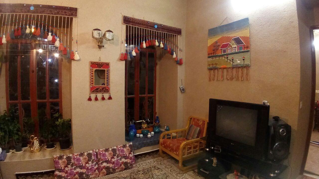 بوم گردی اتاق سنتی در هزاوه اراک - اتاق2