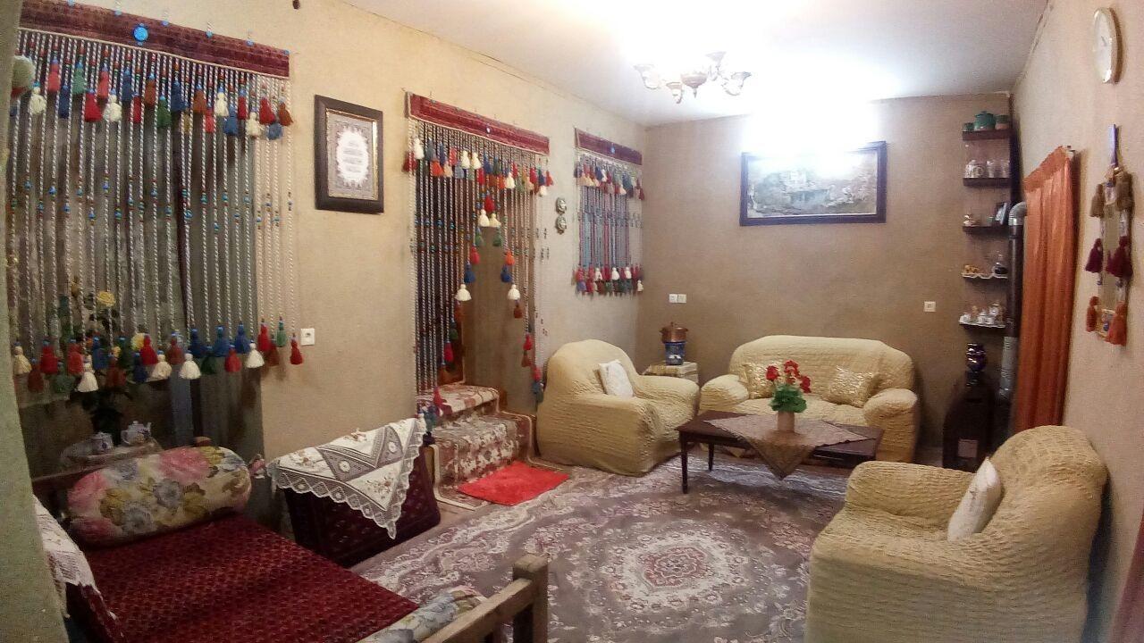بوم گردی خانه سنتی در هزاوه اراک - اتاق 1