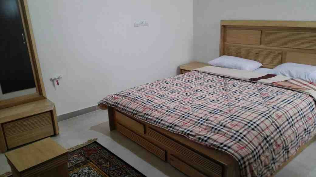 درون شهری آپارتمان مبله در شهرک گلستان شیراز
