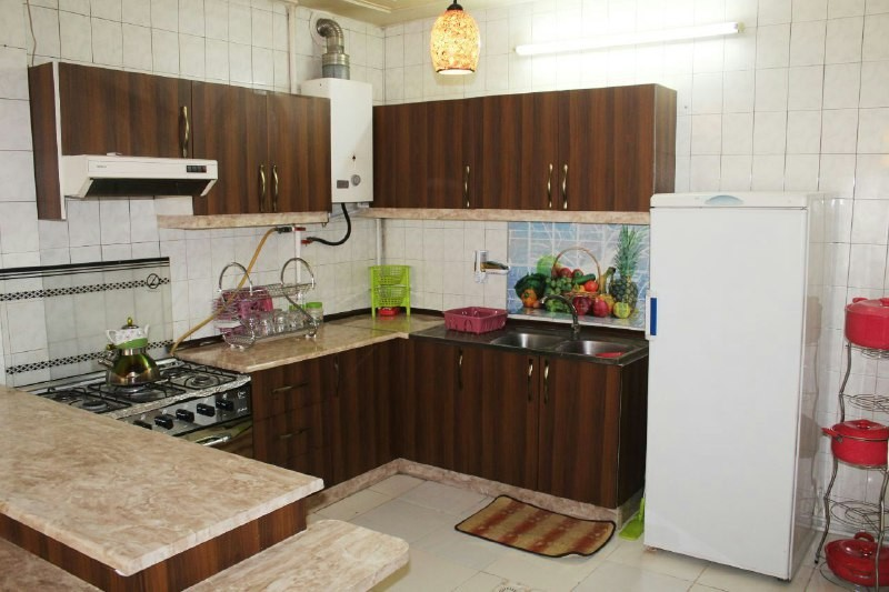 درون شهری آپارتمان مبله تمیز در چهار باغ خواجو