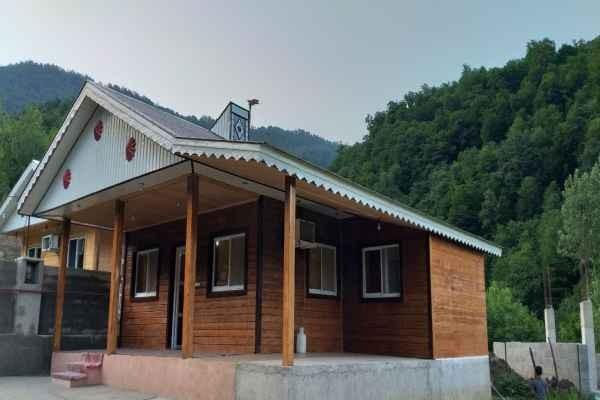 حومه شهر کلبه چوبی در روستای کنذر ماسال