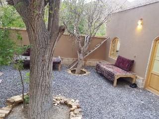 بوم گردی خانه سنتی در کمال الملک کاشان - اتاق بالا خانه