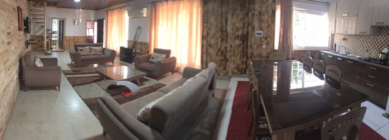 درون شهری ویلای استخردار رو به دریا در نوشهر