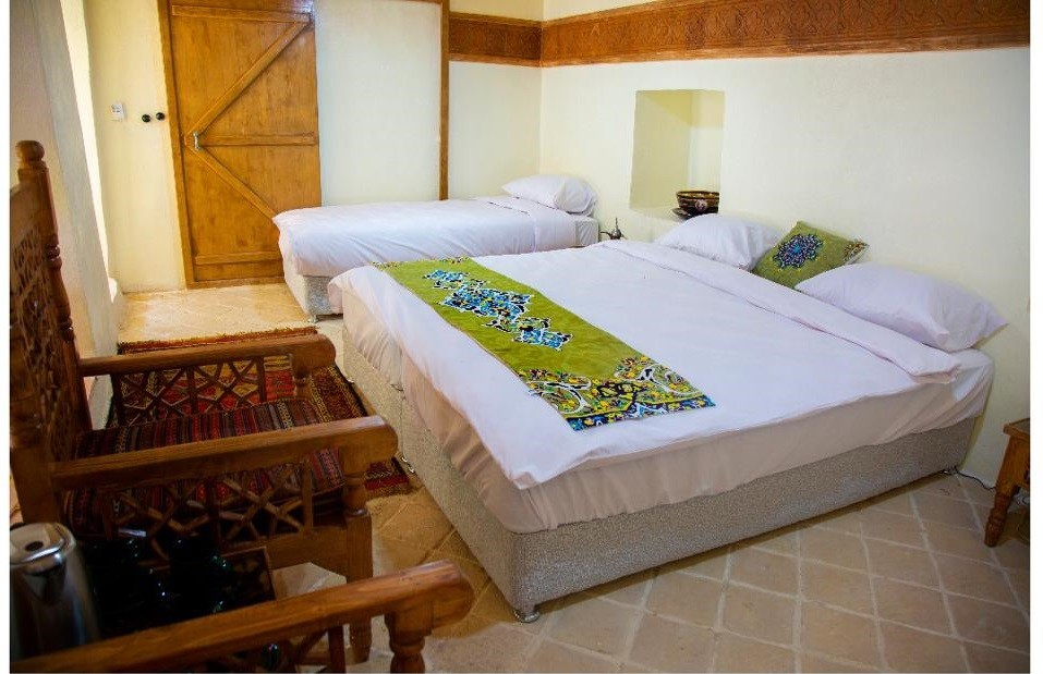 درون شهری هتل سنتی سه تخته در انقلاب زنجان - 7
