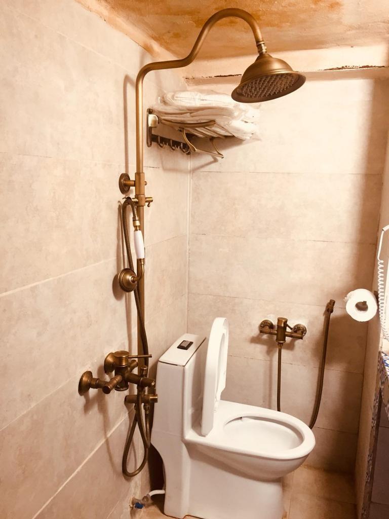 درون شهری هتل سنتی سه تخته در انقلاب زنجان - 9