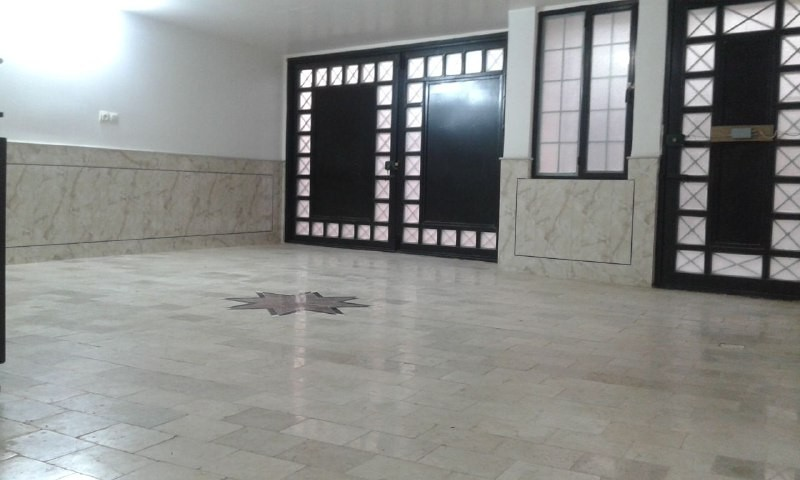 درون شهری آپارتمان مبله در میدان کمال الملک کاشان