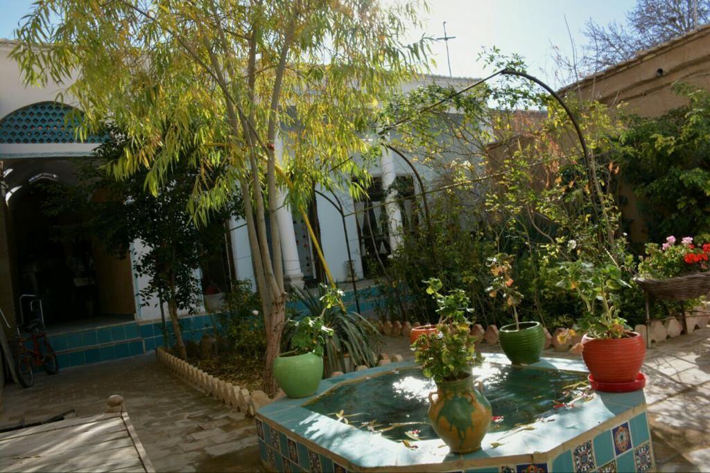 Eco-tourism بومگردی تفریحی در آتشگاه اصفهان - اتاق 9 متری