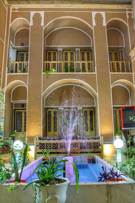شهری  بومگردی الماس در یزد - اتاق101