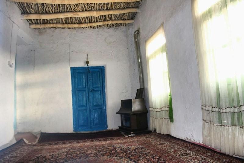 بوم گردی اتاق سنتی در روستای طرق کاشمر