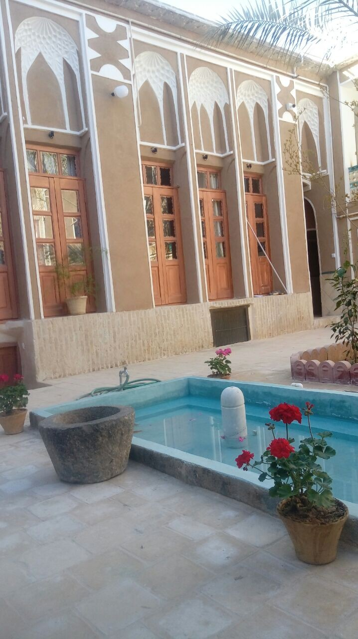بوم گردی اتاق سنتی در یزد -  اتاق3