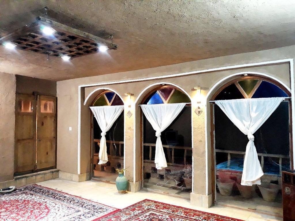 بوم گردی  بومگردی سنتی در یزد - لب خندق1