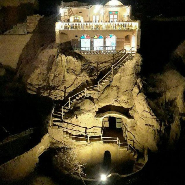 شهری خانه سنتی در میبد یزد - اتاق لب خندق2
